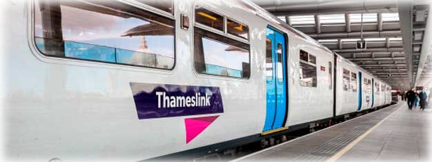 How to get to Gatwick Airport by thameslink train to gatwick